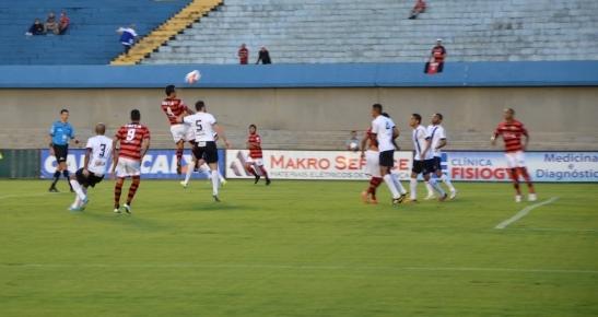 Goianão: Atlético vence Caldas de virada. Caldas ainda não venceu em 2015