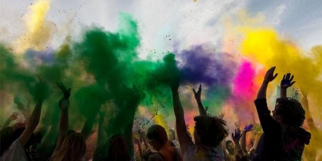 Polícia constata embriagues de jovens, muito álcool e drogas em festa colorida