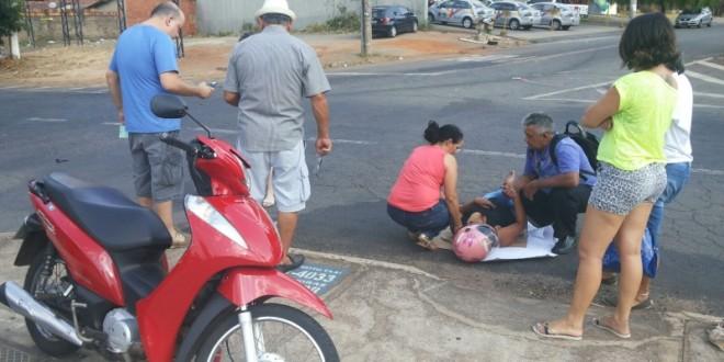 Cadê os socorristas? Vítima espera 40 minutos por socorro – após acidente de moto