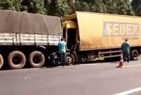 Sombra da Mata: Acidente entre dois caminhões deixa um dos condutores gravemente ferido