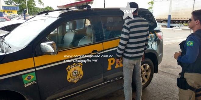 """Motociclista é detido pela PRF sob efeito de bebida alcoólica, em Morrinhos. Teste no """"bafômetro"""" apontou 1,18 mg/l"""