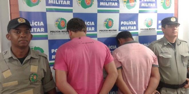 Furto e receptação: Em Morrinhos a Polícia Militar prendeu dois homens e recuperou pistola furtada