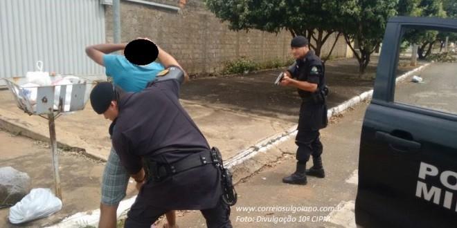 Combate aos roubos e furtos: Polícia Militar realiza Blitz e abordagens em vários setores de Morrinhos. Prisões e apreensões são realizadas!!!