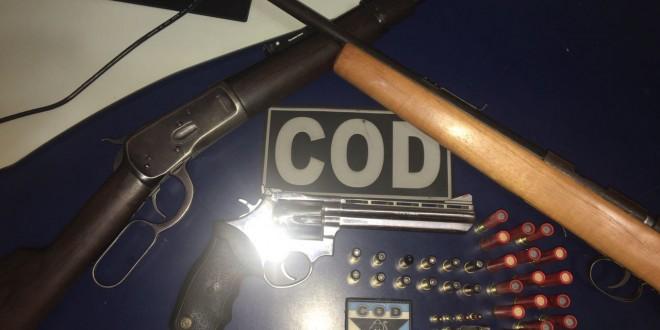Policiais do Comando de Operações de Divisas – COD – apreendem armas e munições
