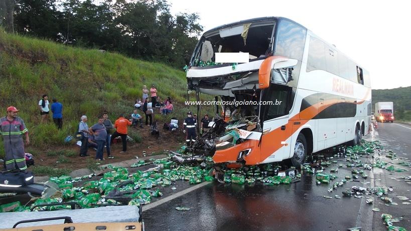 ônibus x caminhão
