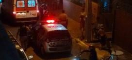 Homem é ferido a faca por mulher. Equipe do SAMU prestou socorro à vítima, que não corre risco de morte!