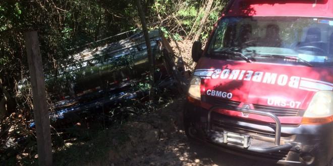 Motorista morre em Morrinhos. Pode ter sentido-se mal ao volante e em seguida perdeu o controle do caminhão