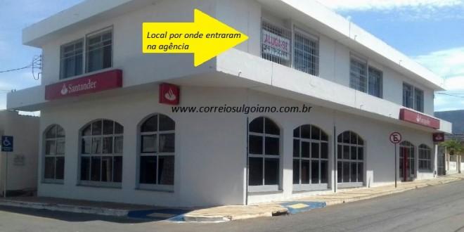 FURTO NO SANTANDER: Homens encapuzados e fortemente armados furtaram agência de Morrinhos