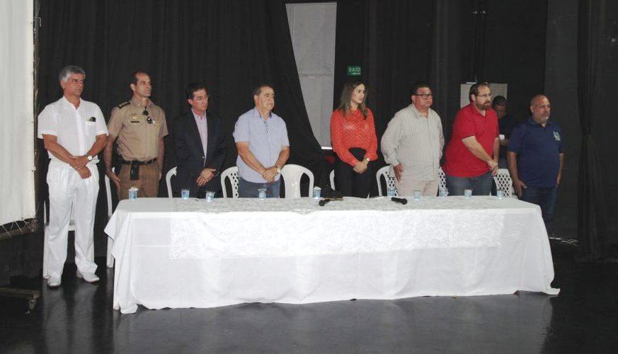 Deputado Francisco Oliveira prestigia aula inaugural de praças da PM em Morrinhos 01